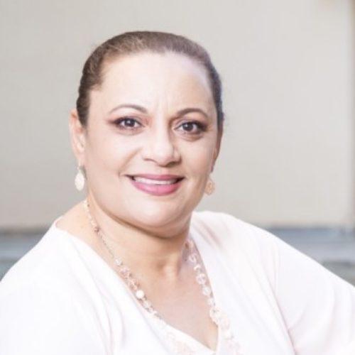 Profile picture of Mia James